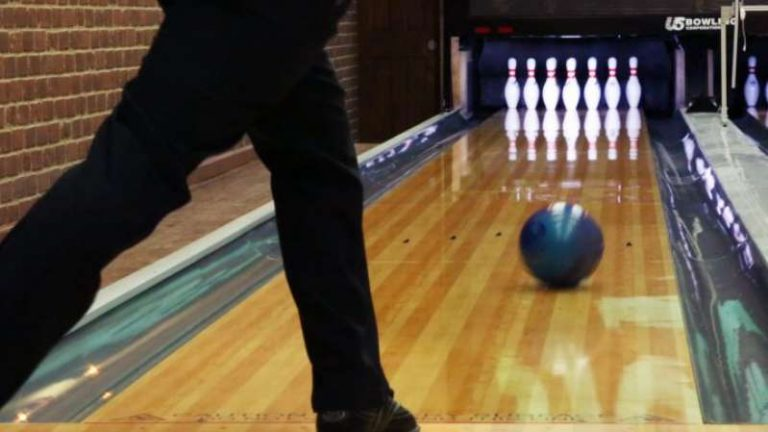 Top 5 Best Bowling Ball for a Stroker | Review of 2021